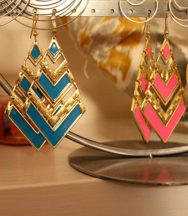 I couldn't resist the hot pink geometric earrings.
